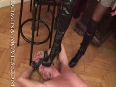 Madame Catarina digging her heels to black mailed man