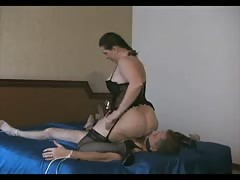 MILF with big ass smothering her slave