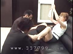 Asian mistress orally pleased by slave