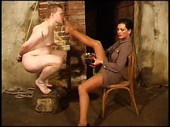 Mistress Cheyenne make fun of her nude slave