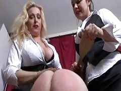 Slave's ass double spanked