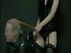 Pale white Queen Azzara gets tough with a man